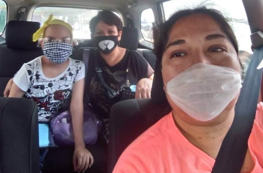 Red de conductores lleva gratis a niños con cáncer para sus quimioterapias